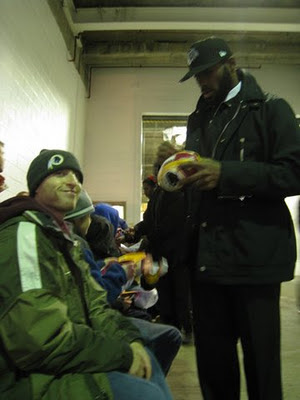 Washington Redskins' DeAngelo Hall signing autographs at FedEx Field
