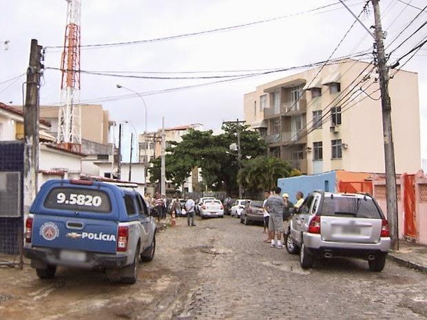 Crime contra a professora ocorreu no bairro de Vila Laura, em Salvador (Foto: Imagem/TV Bahia)