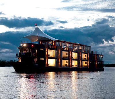 Floating Hotel in Peru- 14 Images