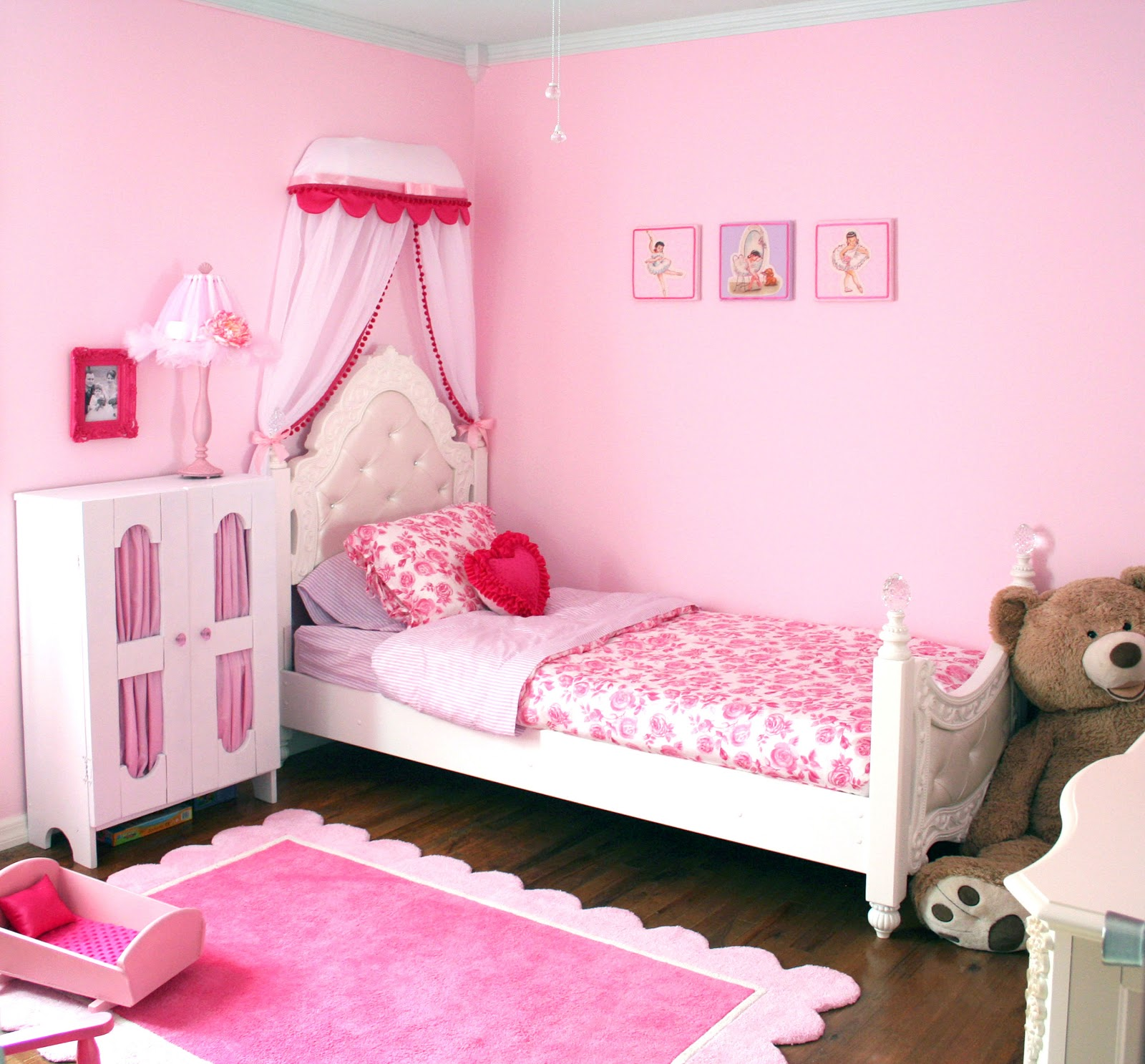 Princess Room : Moms Eat Cold Food: Toddler Princess Room - Finished!