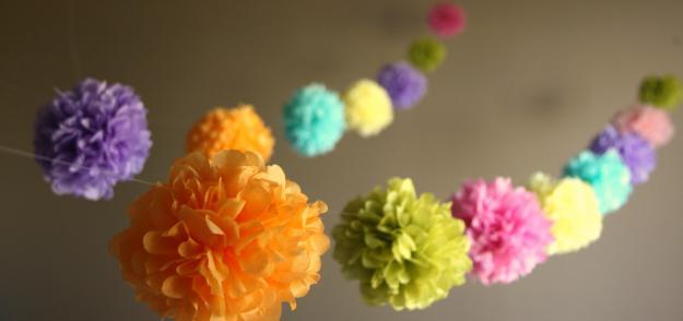 Guirnalda de pompones de papel