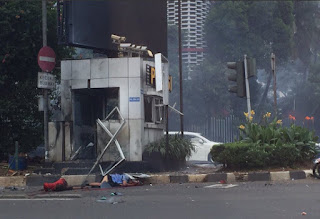 Foto Penampakan Bom Bunuh Diri Sarinah Thamrin Jakarta Tahun 2016