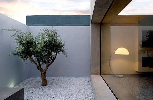 Casas minimalistas y modernas nuevos patios modernos for Pisos de patios modernos