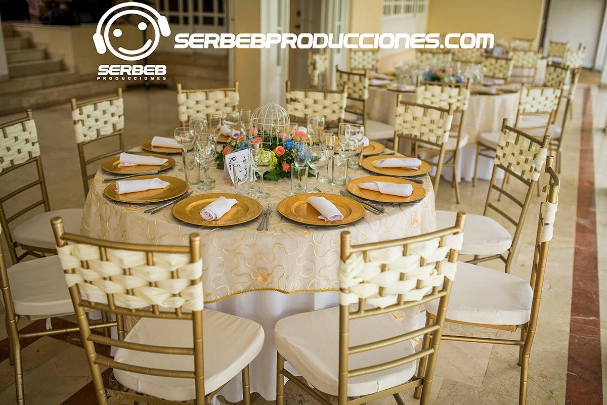 Organizaci n de bodas boda campestre en cali m nica for Centro de mesa boda campestre