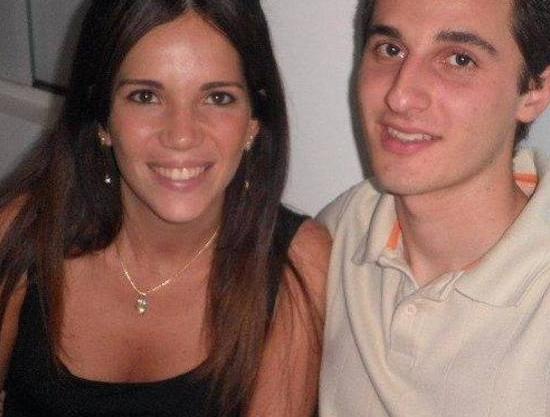 Fotos do casal encontrado morto em apartamento de luxo