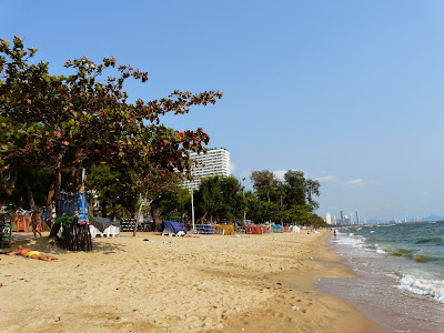 Jomtien gay beach on Wednesday