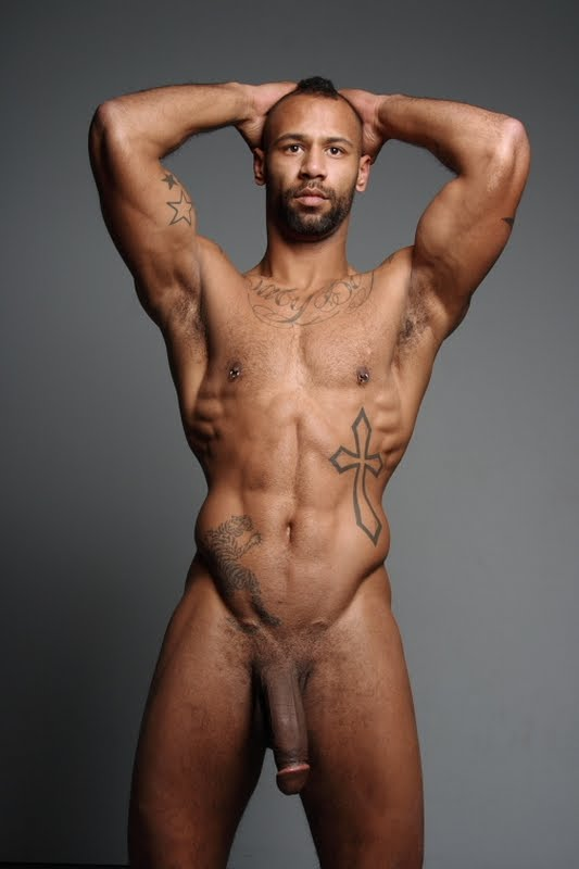 Posando Desnudo Y En Calzoncillos