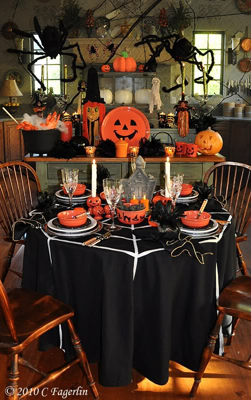 Halloween on pinterest halloween costumes halloween for Witches kitchen ideas
