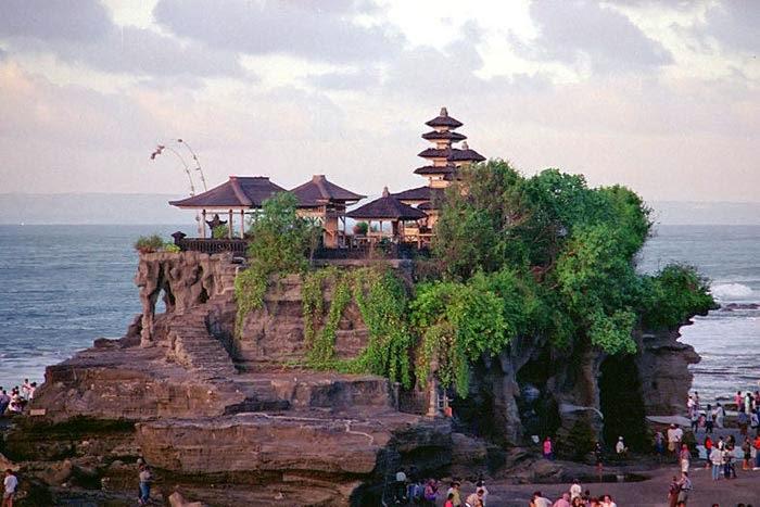 Tempat Wisata Pilihan Tanah Lot Bali
