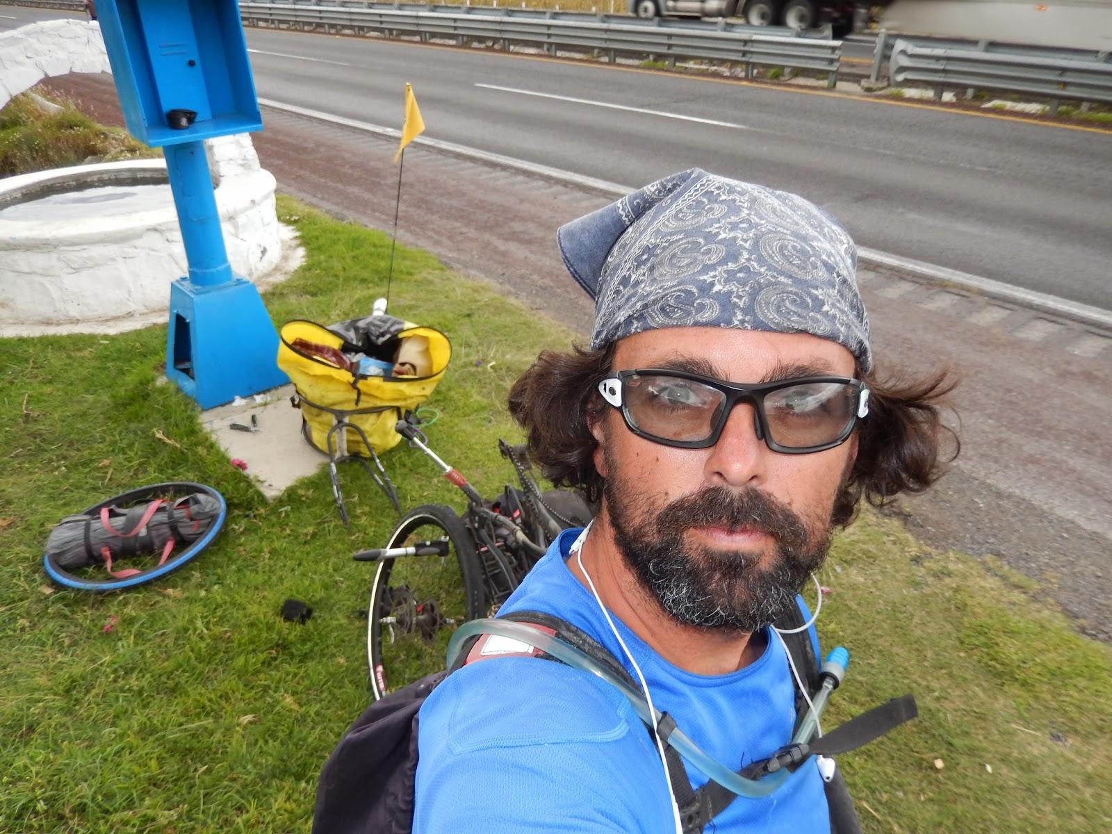 averia, pinchazo, cicloturismo, bob yak