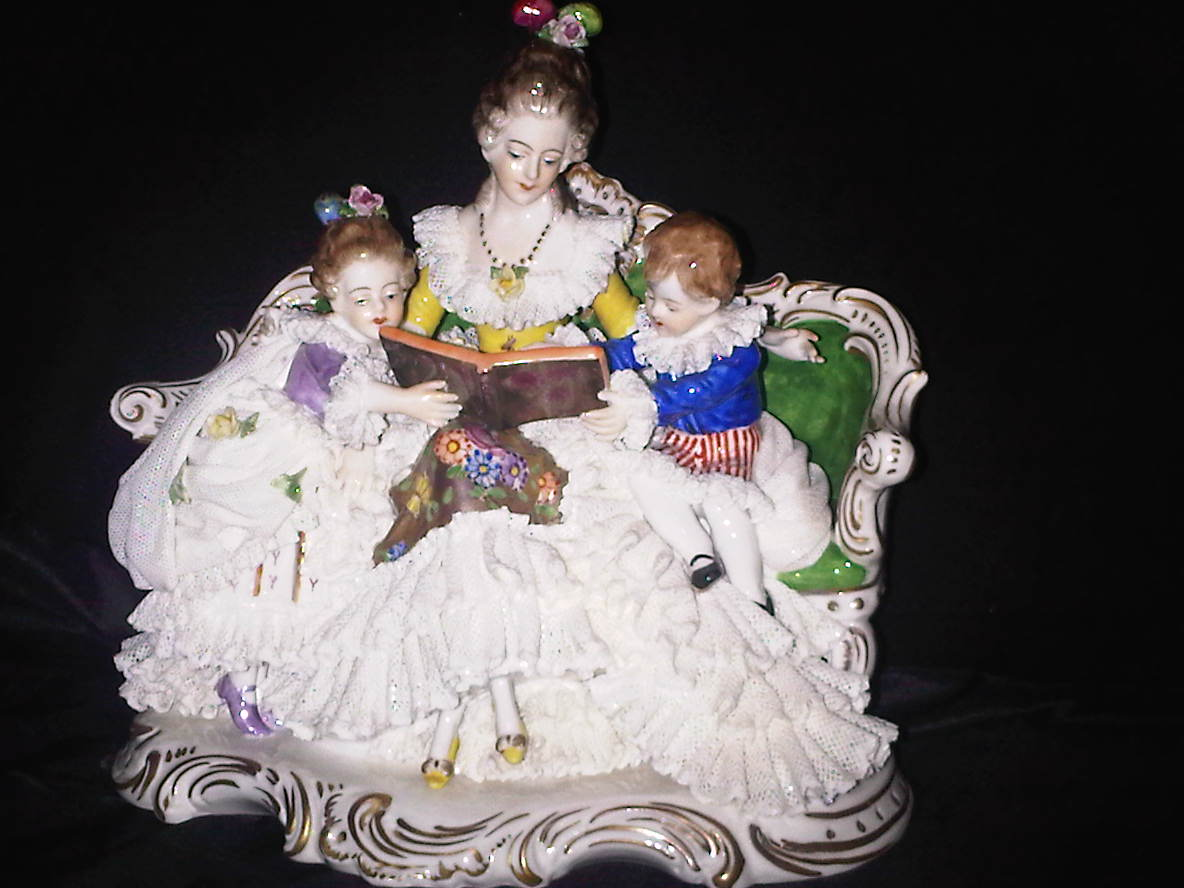 seni kuno dijual patung figural group anthique porcelain figurin motherhood koleksi. Black Bedroom Furniture Sets. Home Design Ideas
