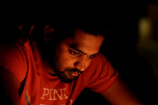 "Asif Ali's all hop on ""Kili Poyi"""