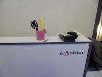 funiture semarang display etalase meja cs meja kasir display gantung toko hp 03