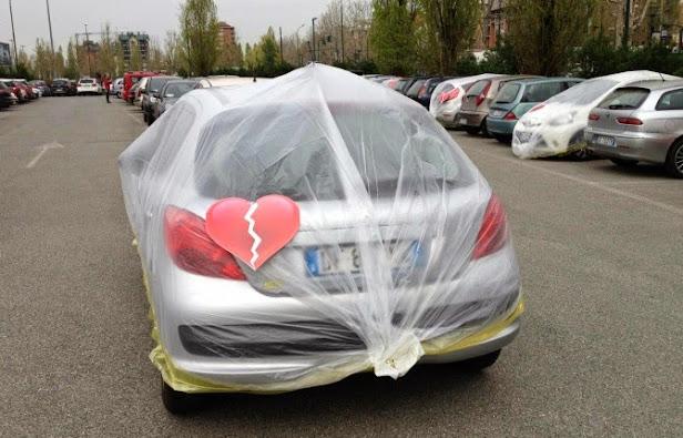 fiat plastifica los coches de otras marcas de sus empleados de mirafiori