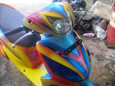 Modifikasi Spacy Airbrush Biru Kuning
