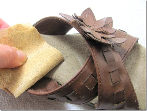 How to Clean the Suede Insole of A Pair of Sandals