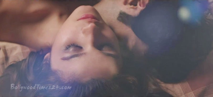Alia Bhatt and Varun Dhawan Bed Scene of Humpty Sharma Ki Dulhania Movie