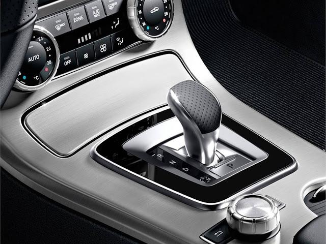 Novo Mercedes SLK 2016 - interior