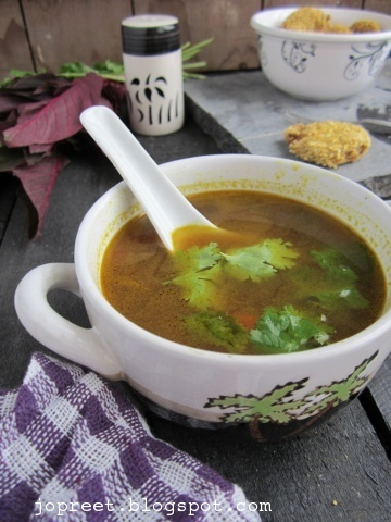 Red Amaranthus &amp; Carrot Soup (Thandu Keerai Carrot Soup)
