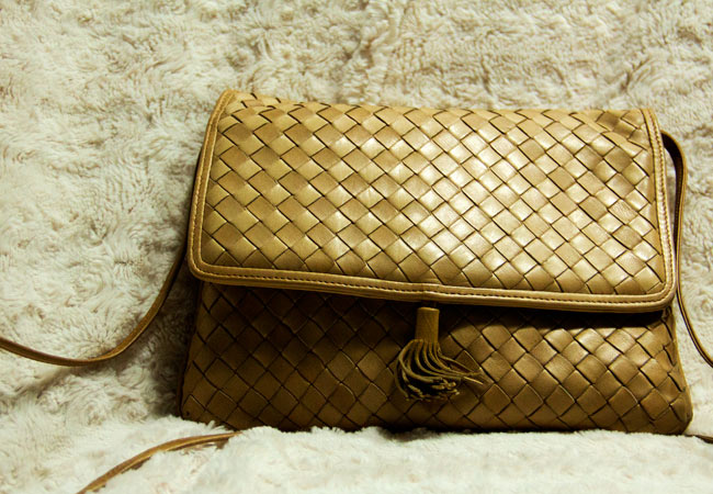 Vintage Bottega Veneta Woven Beige Cross Body Purse, Woven purse, BV, Bottega Veneta purse, Vintage Bottega Veneta Purse