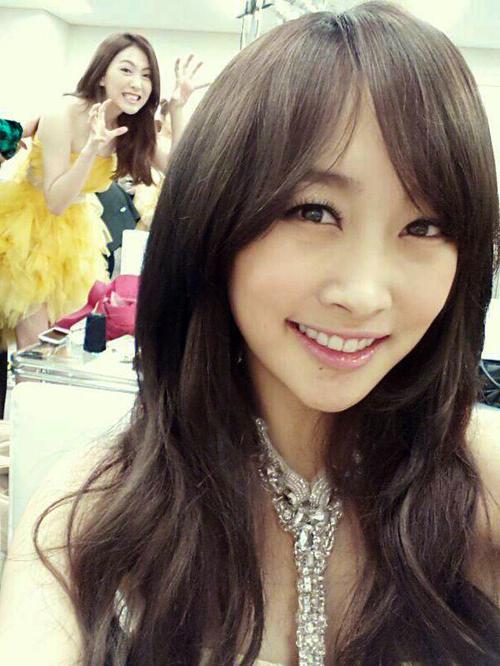 Jiyoung & Nicole Selca