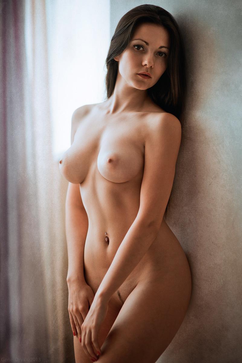Голые девушки 25 лет