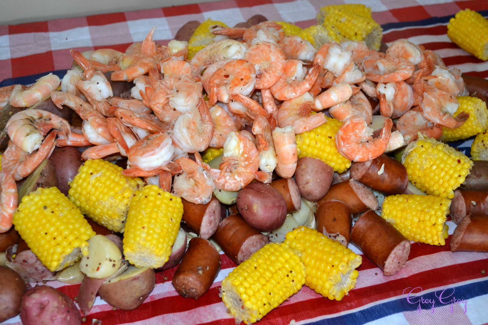 GreyGrey Designs: {My Parties} Memorial Day Shrimp Boil for Friends