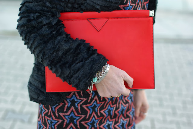 Zara starry print dress, Zara red clutch, Fashion and Cookies, fashion blogger