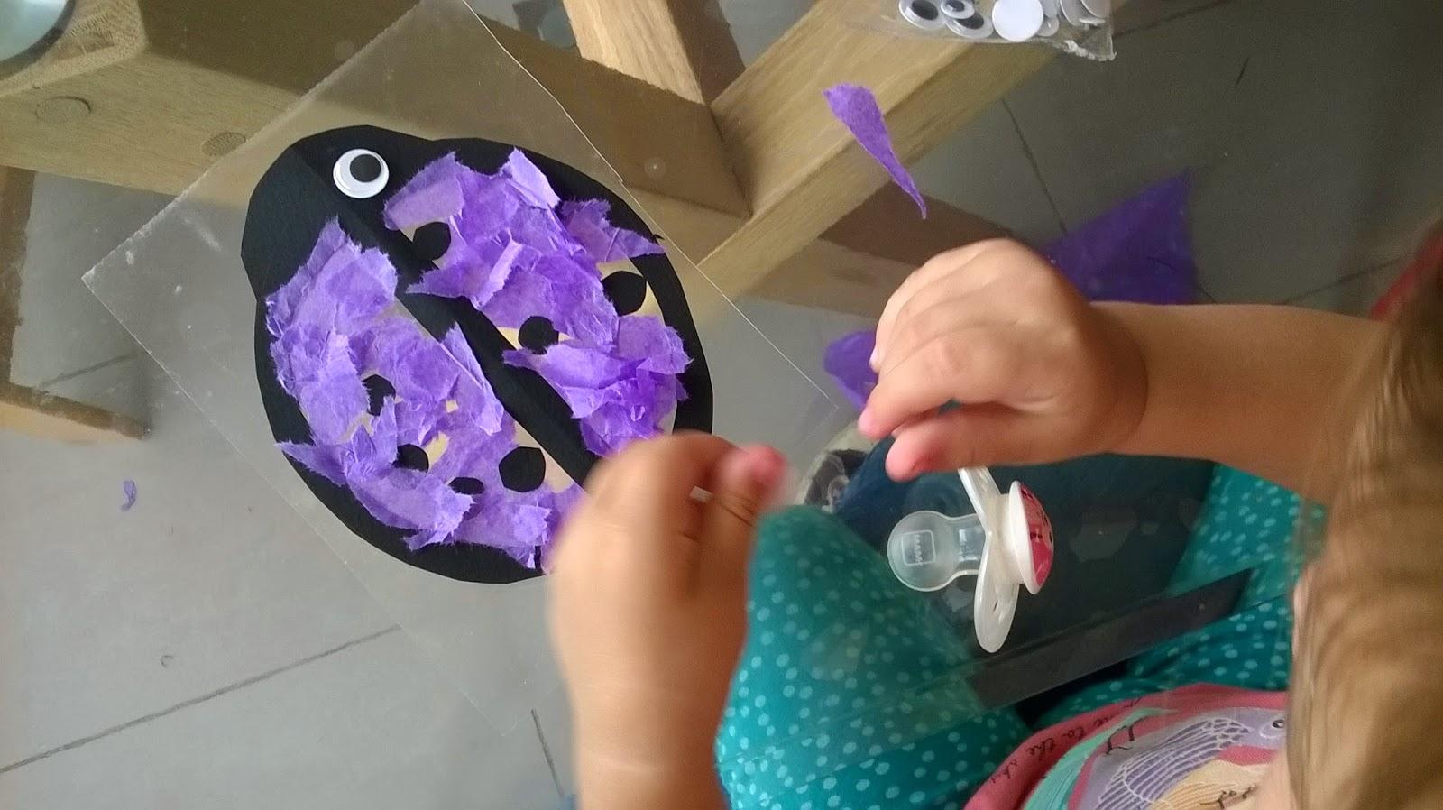 petite coccinelle attrappe soleil activit cr ative et manuelle pour un enfant de 2 ans les. Black Bedroom Furniture Sets. Home Design Ideas