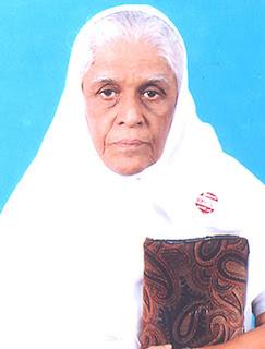 Sister Lalitha Evangeline, elder sister of Sarah Navaroji