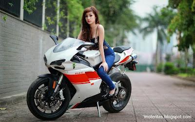 moto-mujer-y-ducati-848-imagenes-rapidas-carreras
