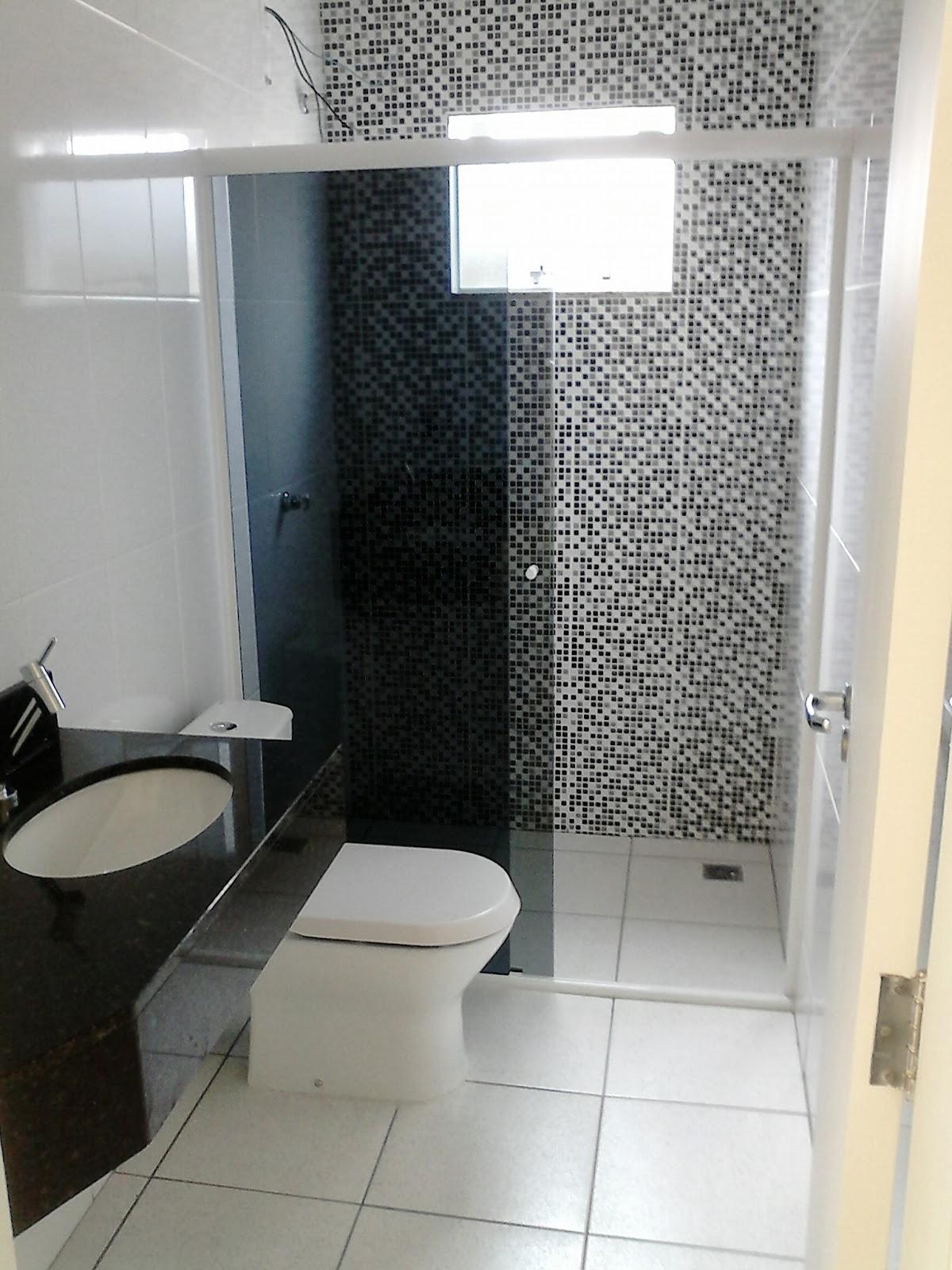 Odisseia Habitacional: Banheiros prontos e limpos #434F5B 1200 1600