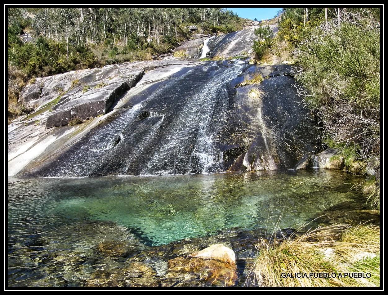 Galicia pueblo a pueblo piscinas naturales del r o pedras for Piscinas naturales rio tormes
