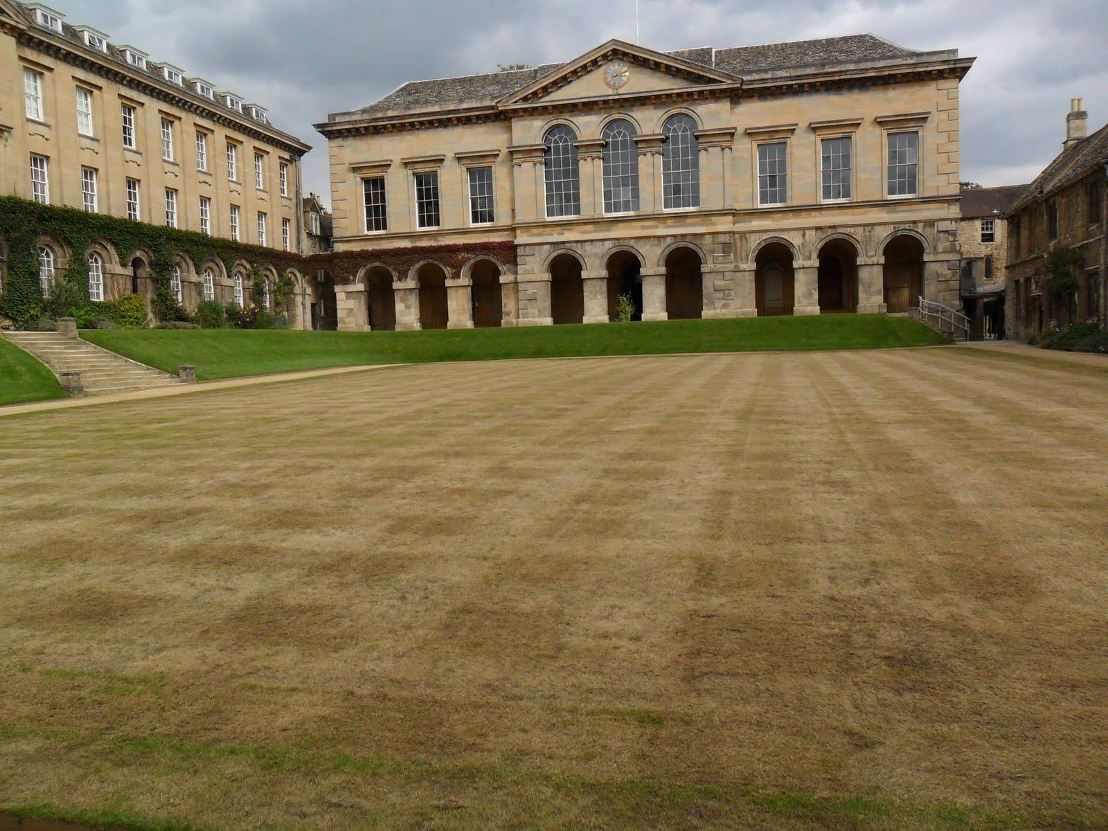 Worcester College Gardeners Very Brown