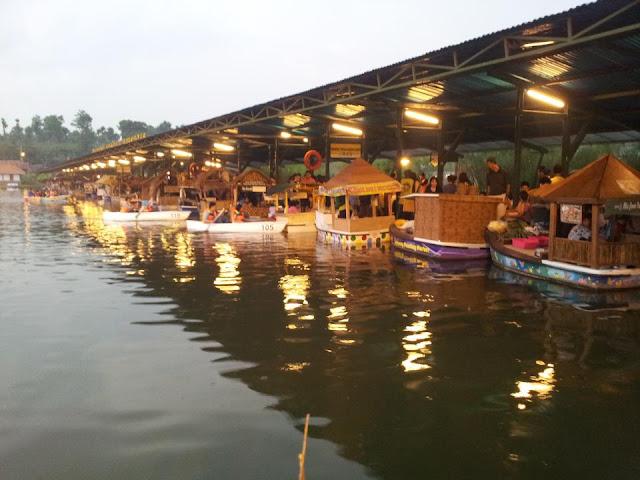 Tiket Masuk dan Wahana Floating Market Lembang