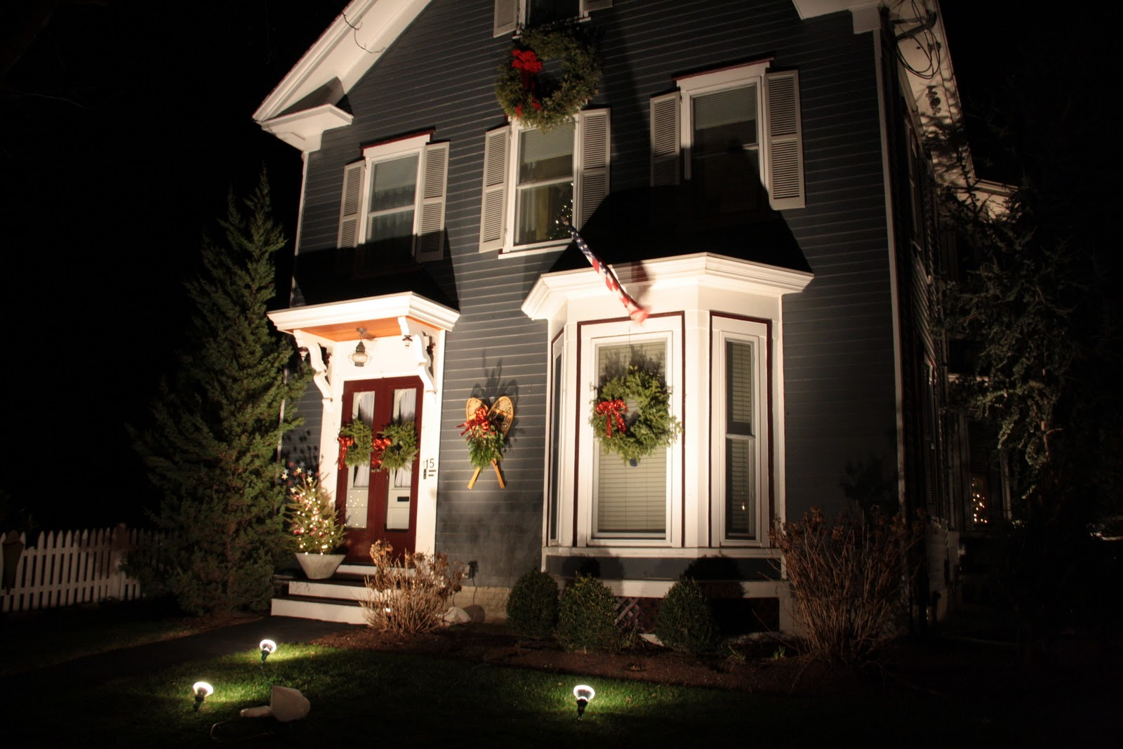 Christmas Decorating With Floodlights : Christmas light police