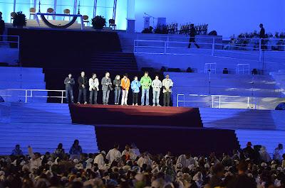 #JMJRio2013: Jovens dos cinco continentes rezam terço missionário na abertura da JMJ