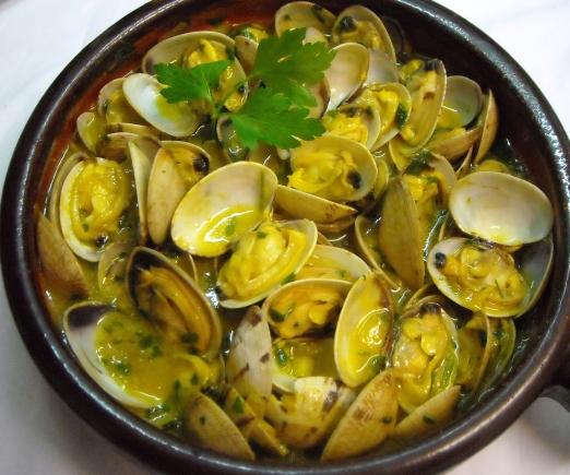 Cocinando con eduardo mayo 2013 for Hacer salsa marinera