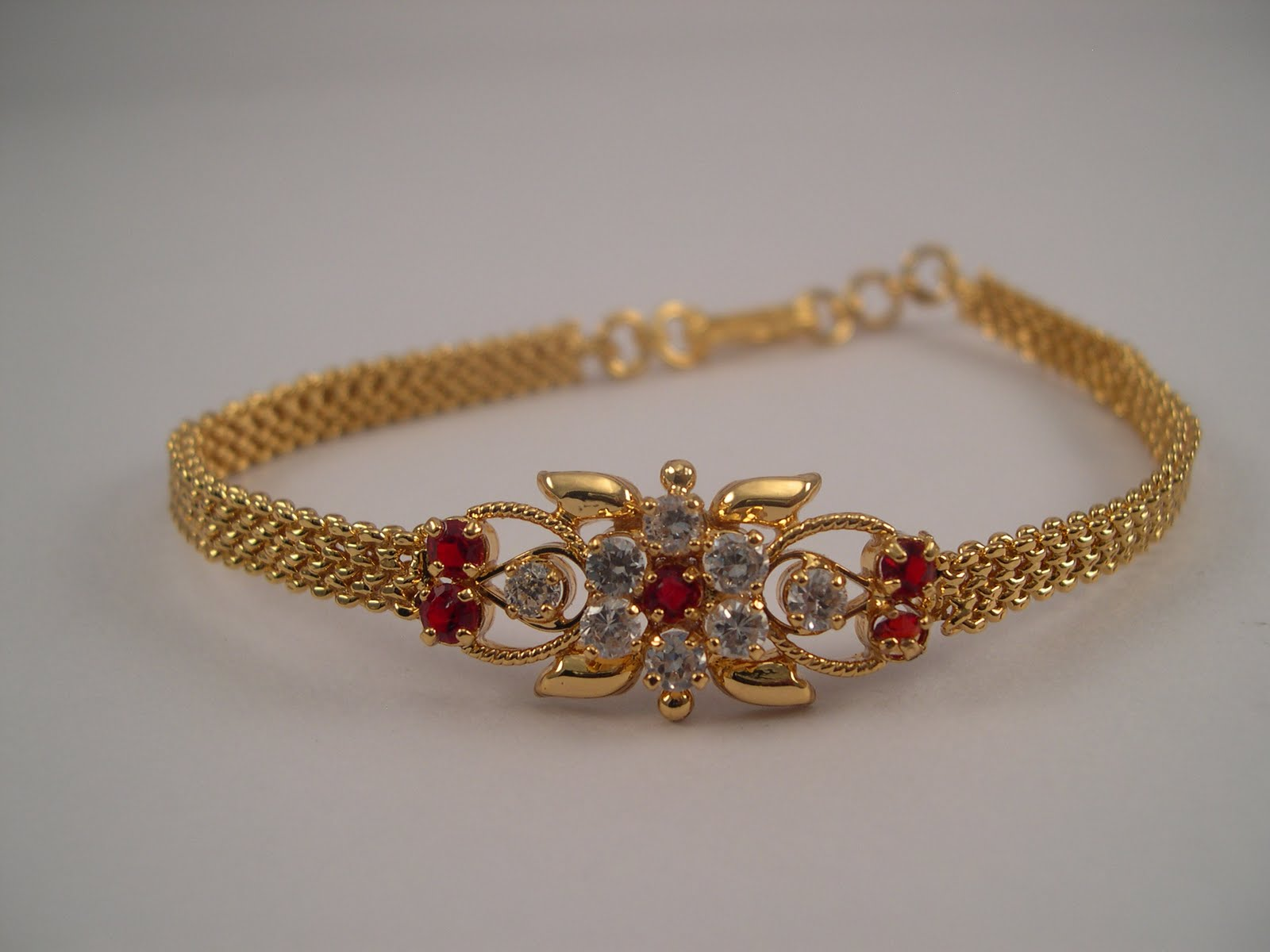 Elegant Gold Necklace Designs with Grams | Jewellry\'s Website
