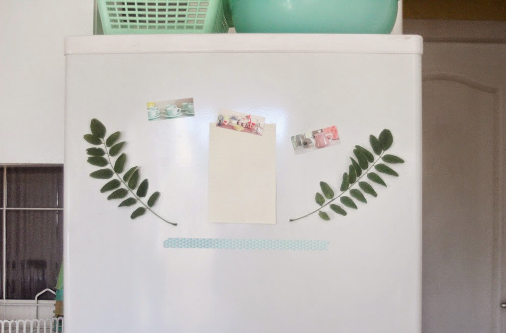 DIY, handmade, magnets frigo, embellir un frigo, feuille d'arbre en aimants, plantes en magnets