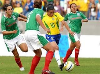 Video Lance Bizarro no Futebol Feminino 2011