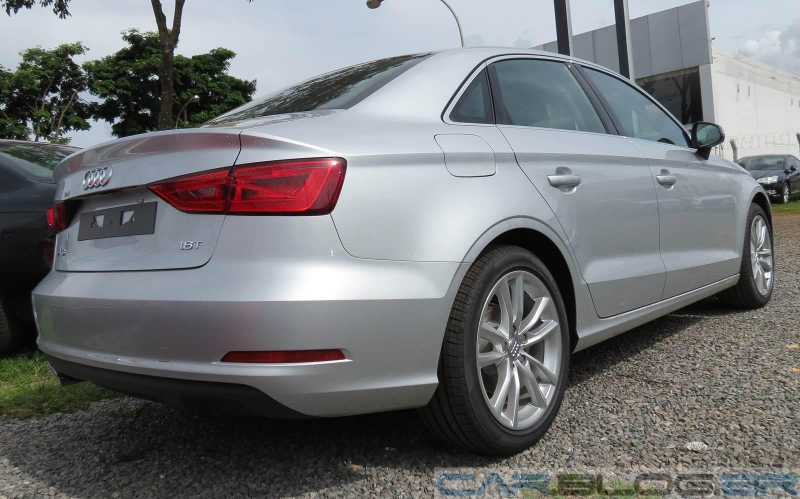 Audi A3 Sedan - Prata
