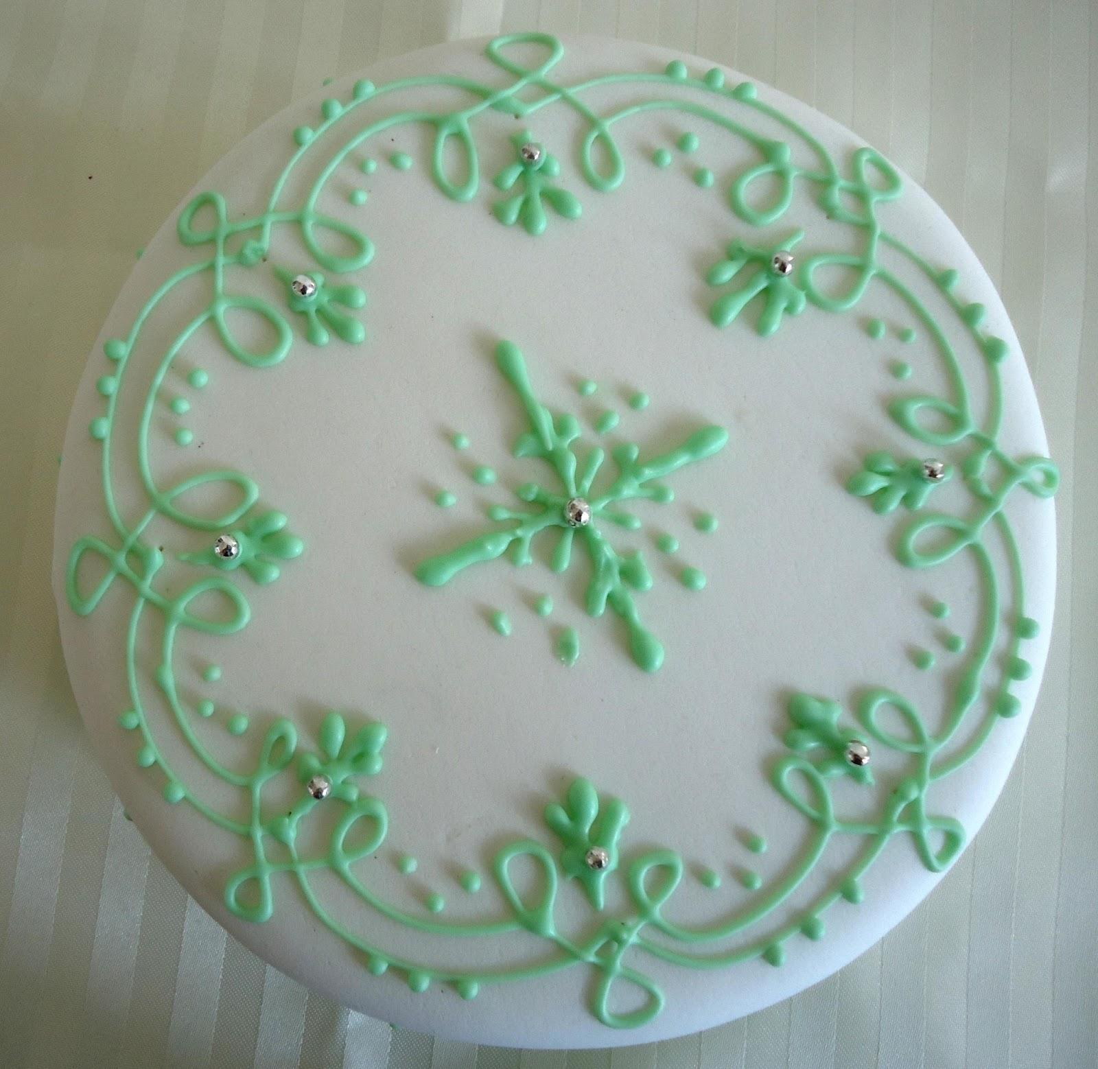 Minicuisine g teau au chocolat d cor au cornet for Decoration glace