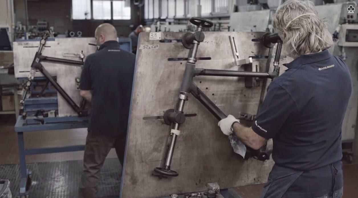 Vídeo: La fabricación del cuadro Colnago C60 ~ Ultimate Bikes Magazine
