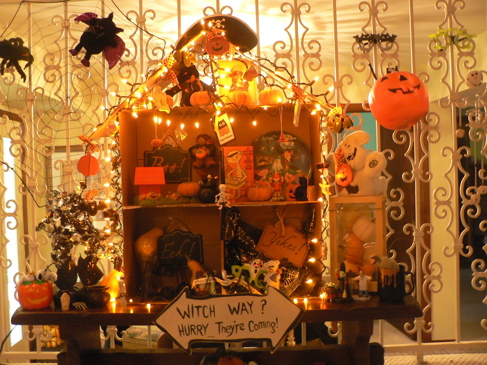 bella casa -- beautiful home: halloween haunted house (dollhouse)