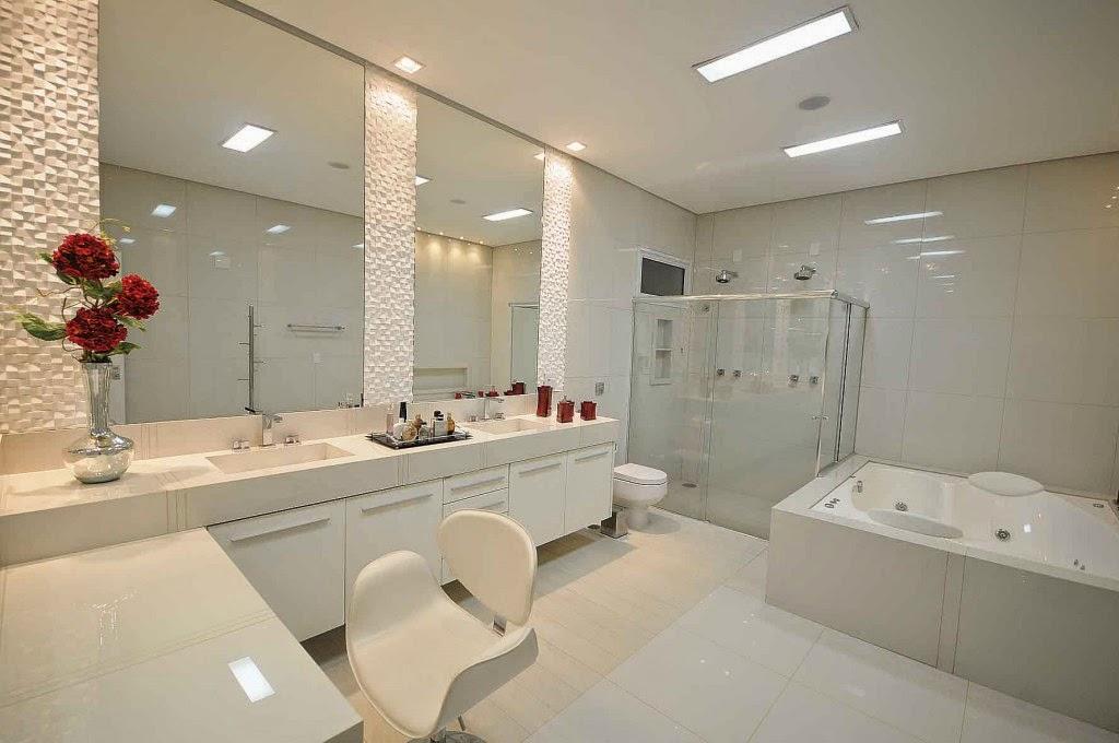 Banheiros brancos maravilhosos  veja modelos e dicas!  Decor Salteado  Blo -> Banheiro Com Porcelanato E Pastilha De Vidro