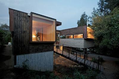 casa con fachada en madera