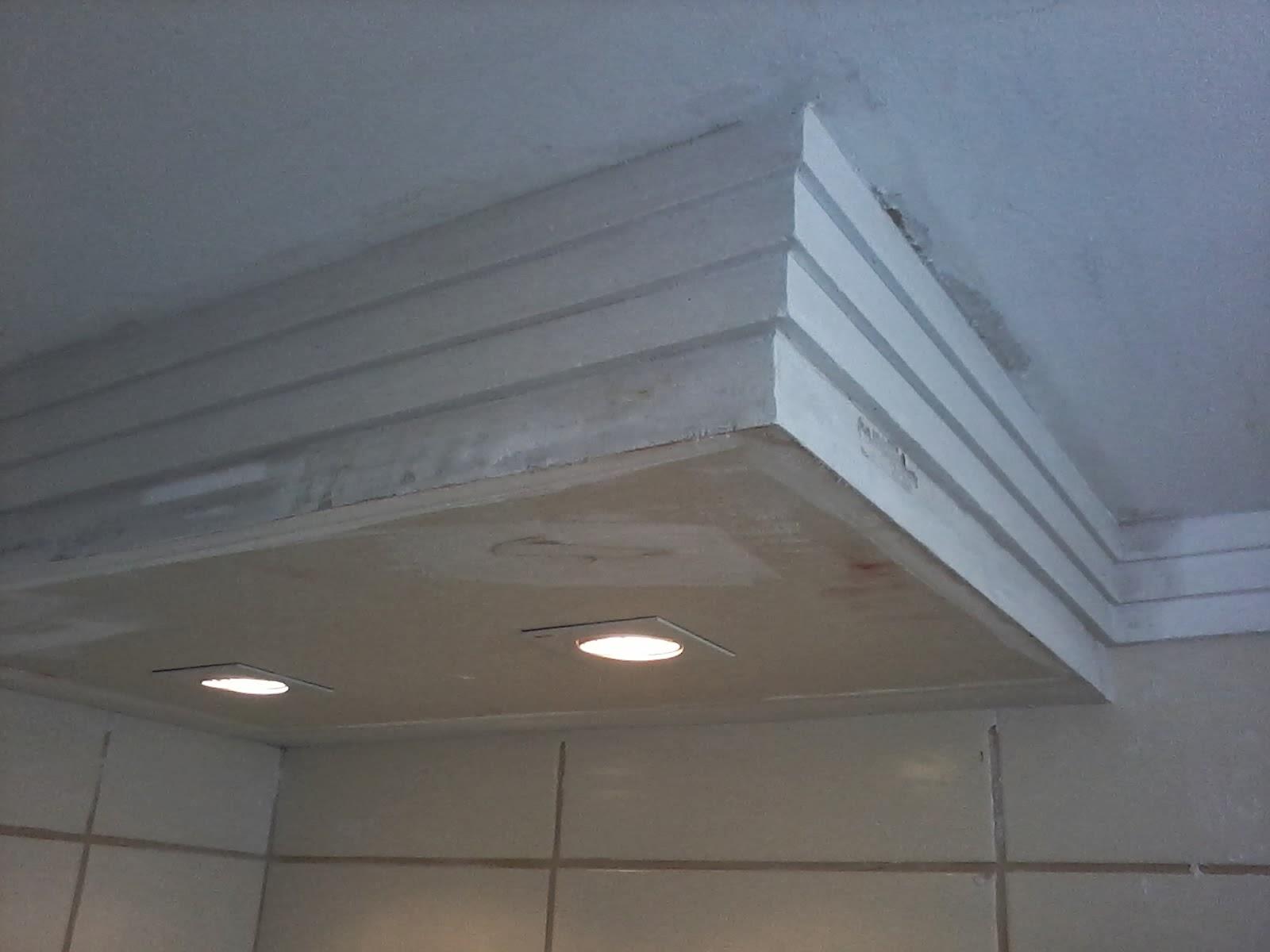 gesso: gesso aparamento tecol .vitral no hall de entrada sanca fechada  #51677A 1600x1200 Banheiro Com Gesso