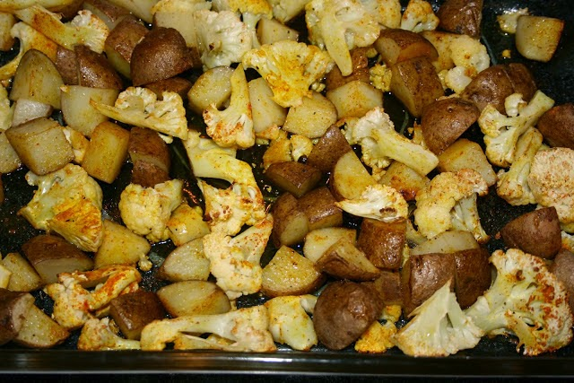 Maple Syrup Roasted Potatoes & Cauliflower: simplelivingeating.com