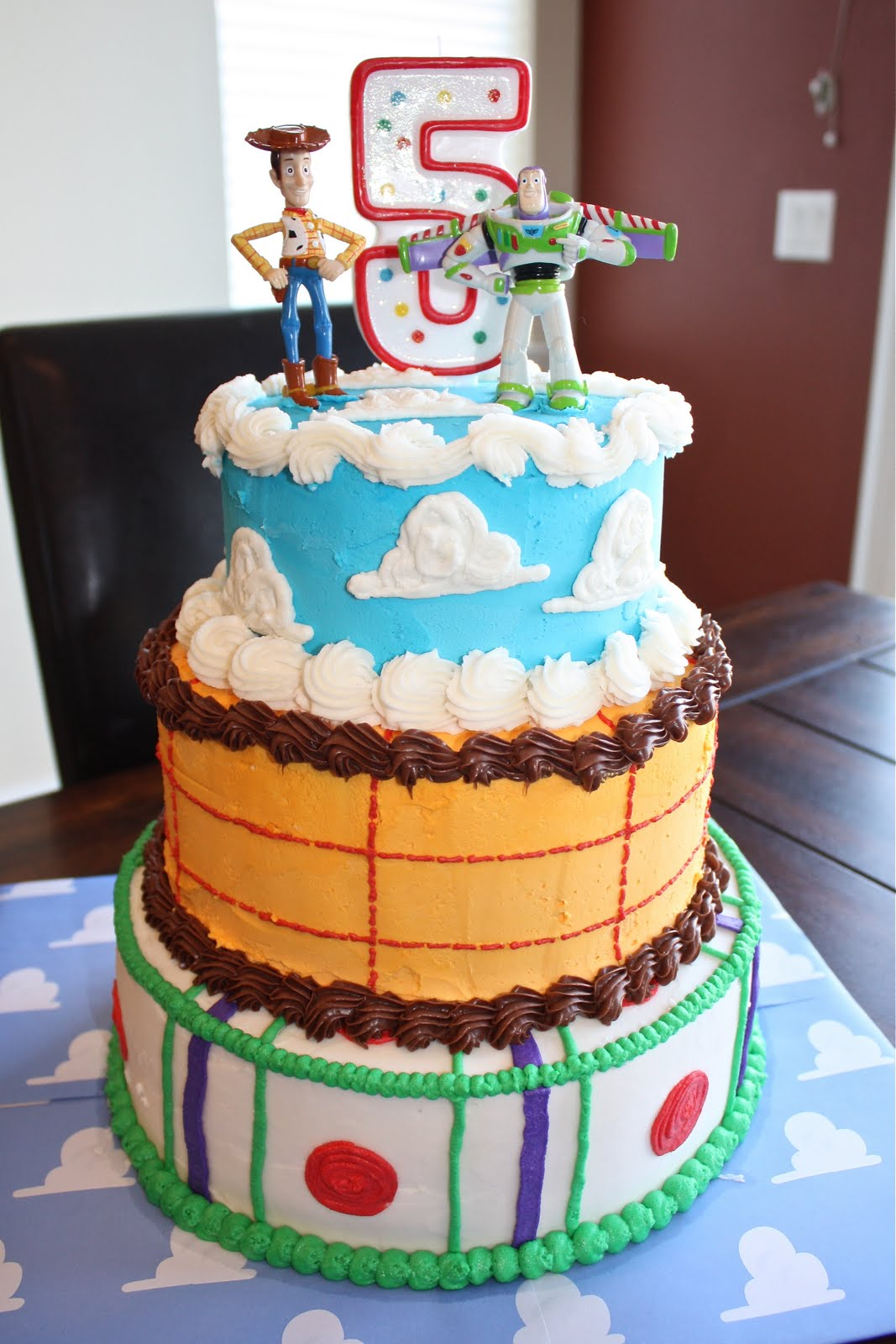 Birthday Cake Toy : Little things toy story mania cake